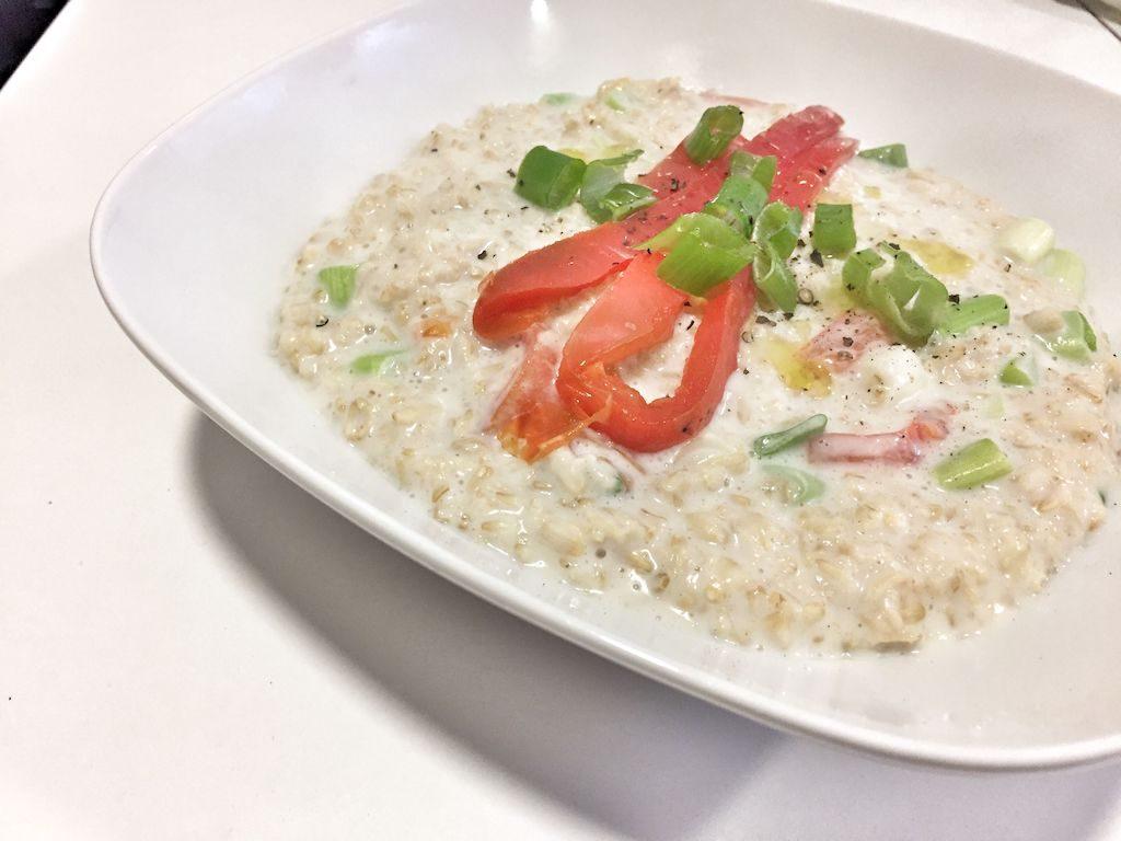 Porridge de avena con pimientos asados