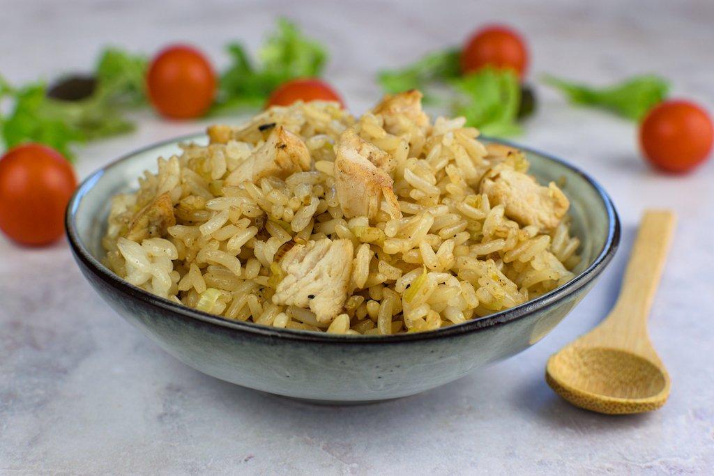 Salteado de arroz y pavo