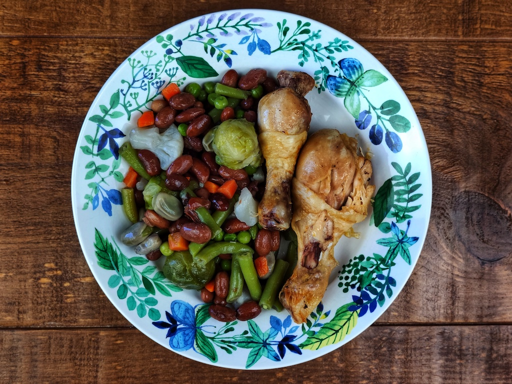 alubias rojas verduras jamoncitos pollo