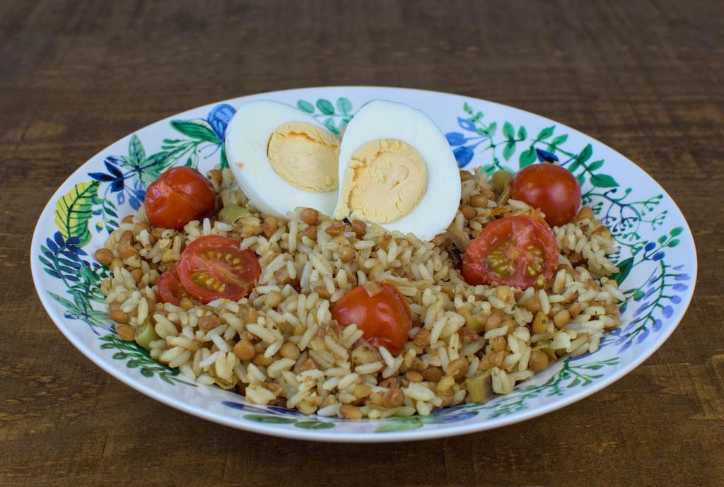 arroz lentejas cherry confitado huevo duro nueces
