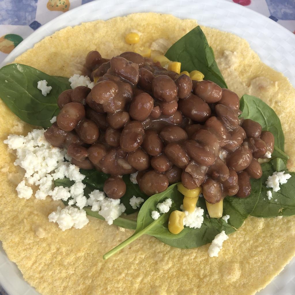 Burrito de alubias y requesón
