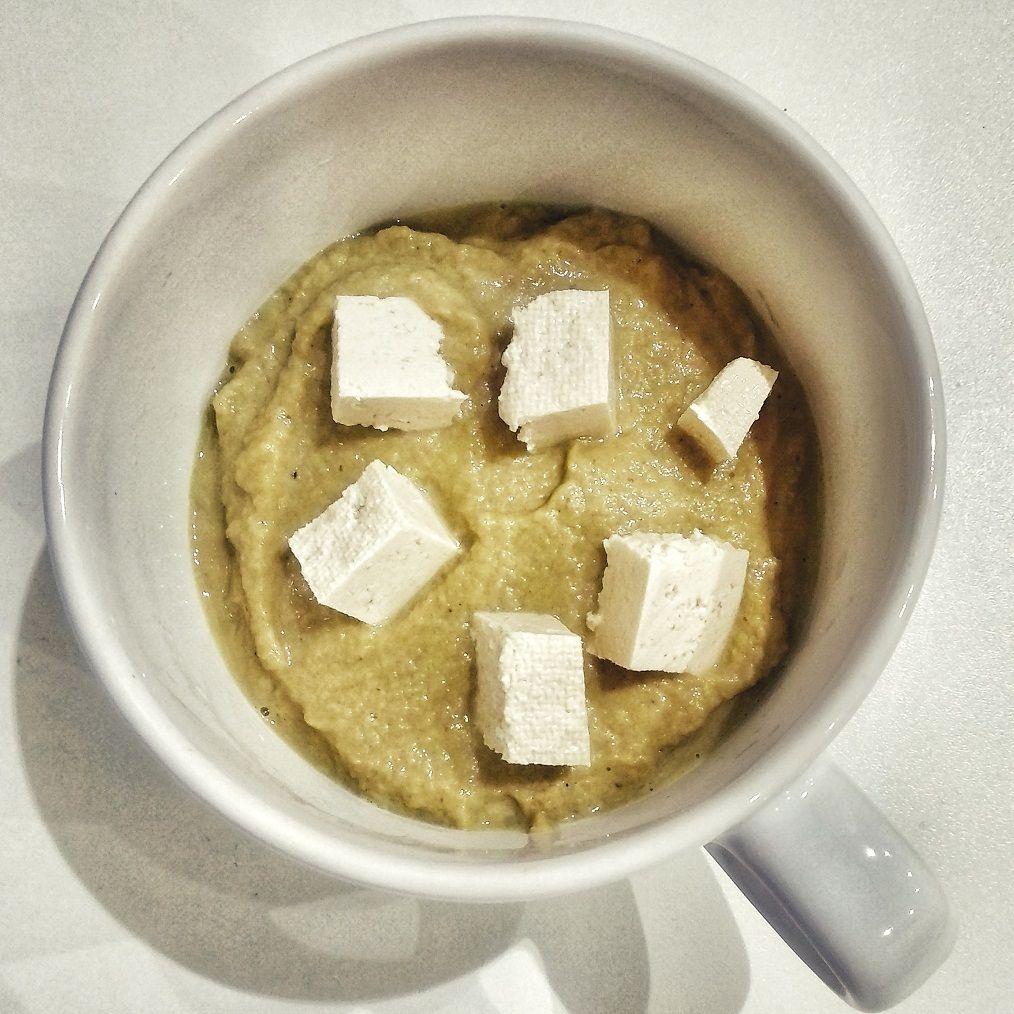 Crema de champiñones al curry con tofu