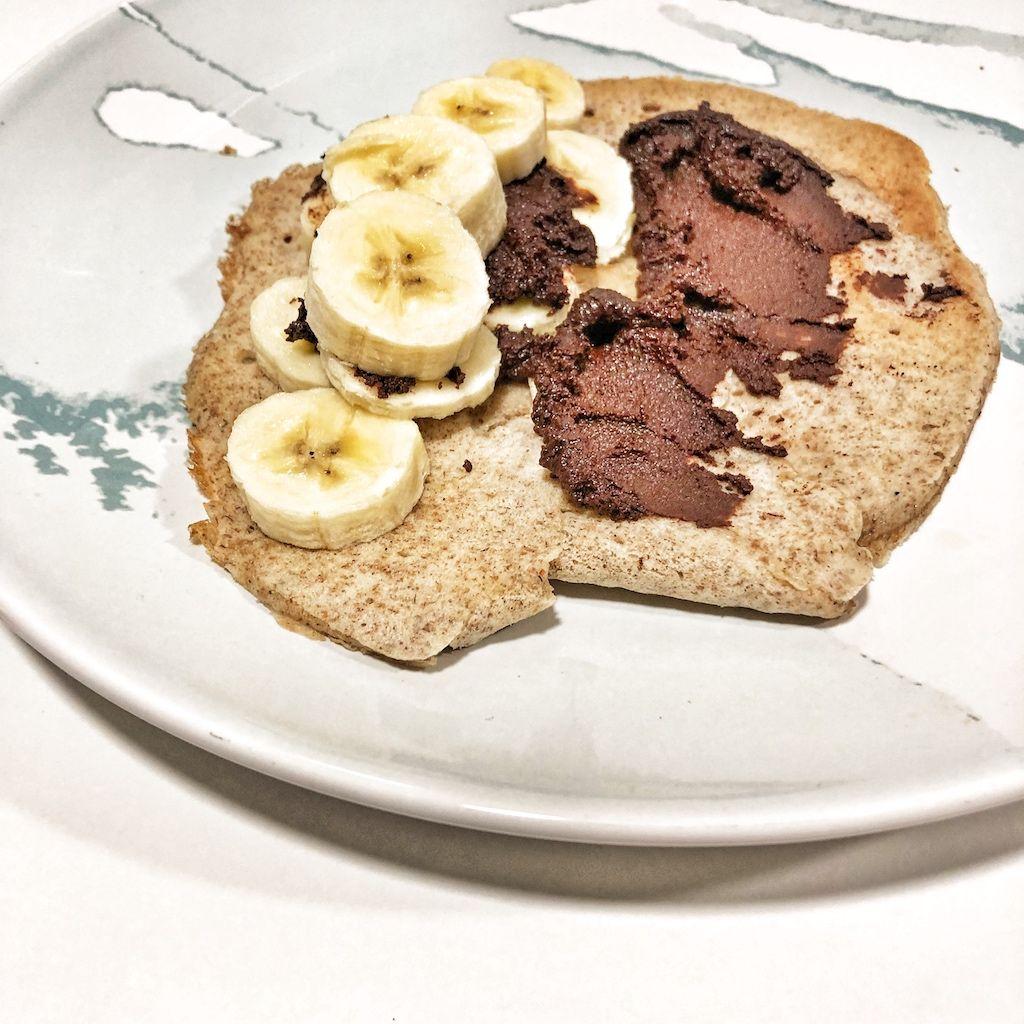 Crepes integrales de centeno con plátano y cacao