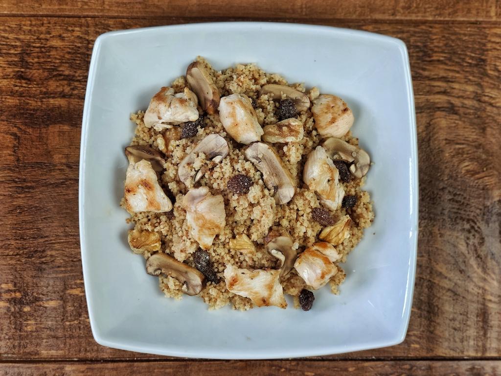 cuscus salteado pavo setas frutos secos