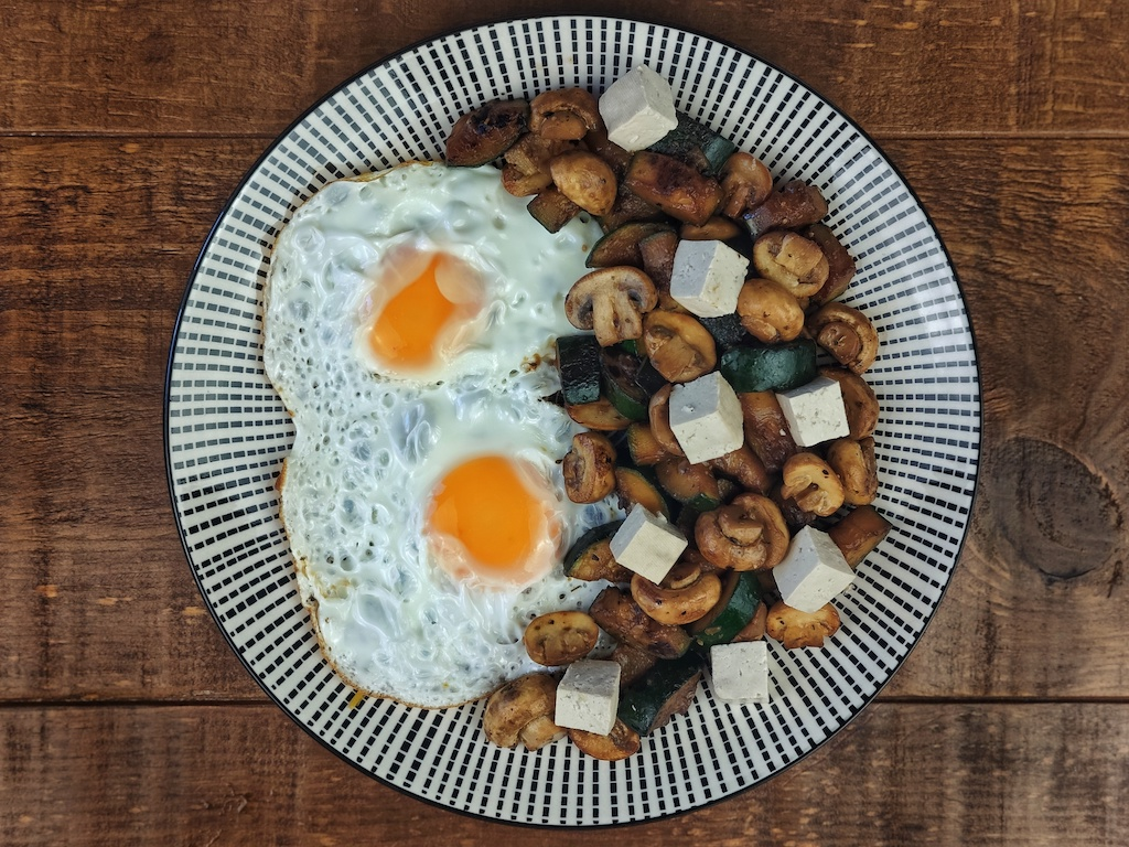 huevos plancha salteado verduras tofu