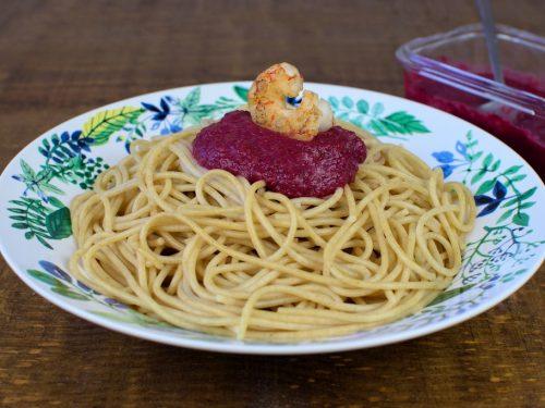 pasta salsa remolacha gambas