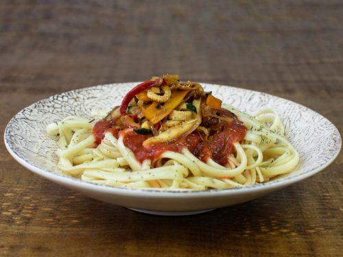 pasta salsa tomate verduras soja texturizada