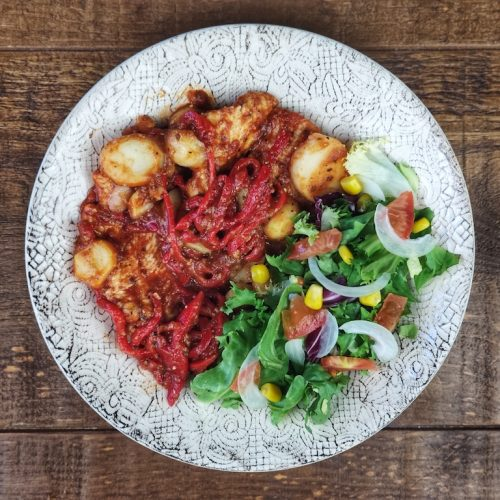 pechuga pavo salsa patatas ensalada