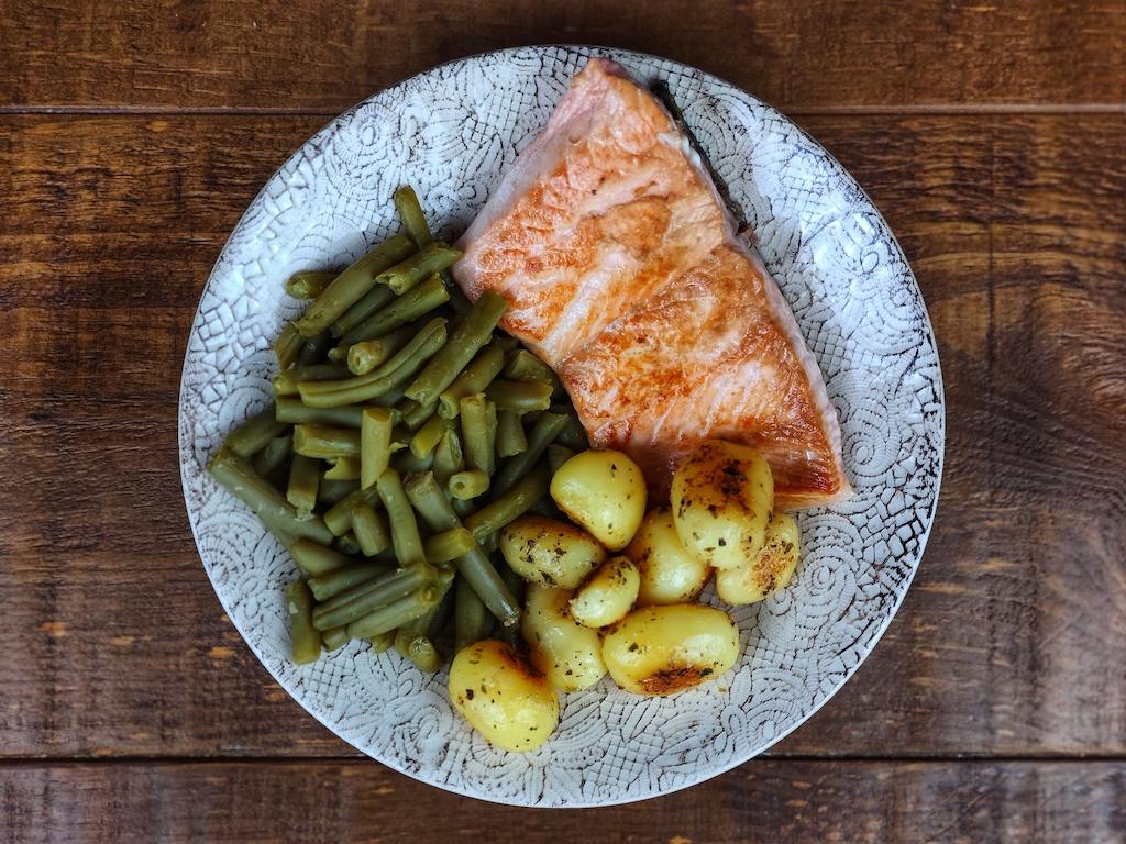 salmon patatas judias verdes
