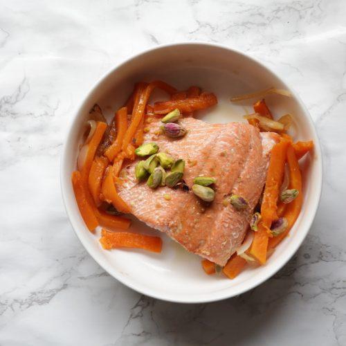 Salmón salvaje con calabaza y pistachos