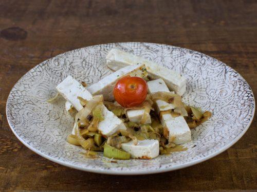 salteado tofu puerro cebolla