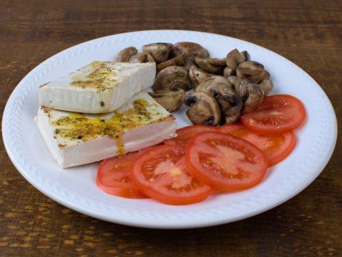 tofu plancha champiñones salteados ensalada tomate