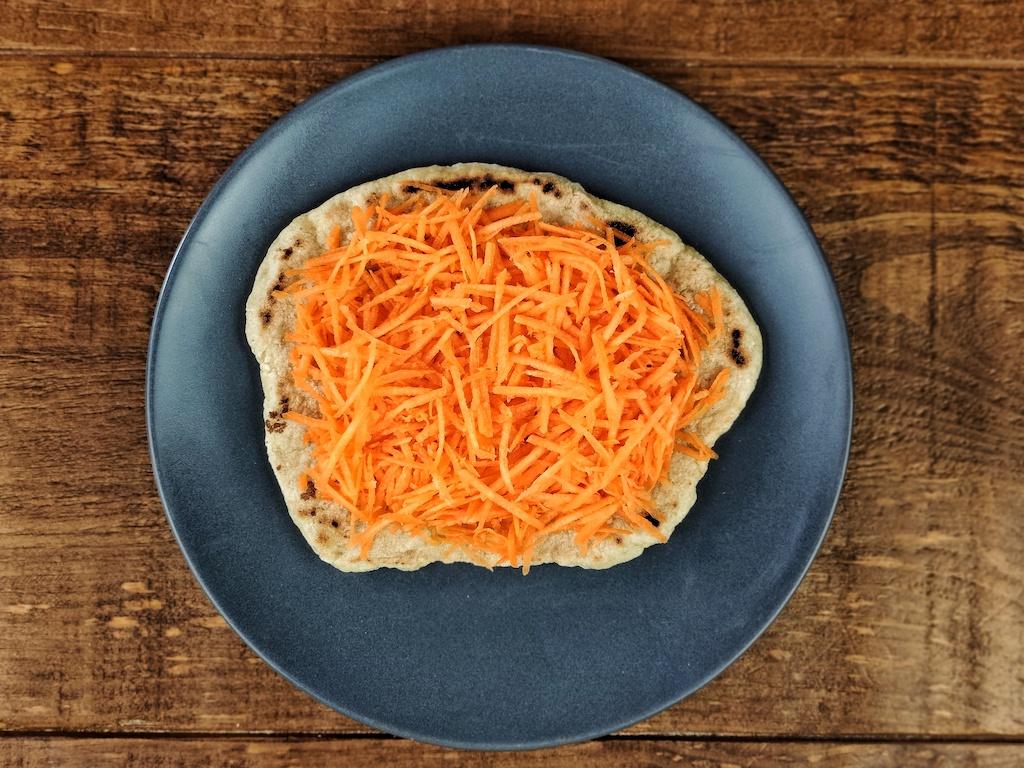 tostadas alubias zanahoria rallada